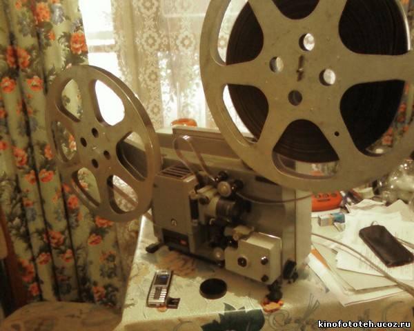 """Кинопроектор  """"Радуга-2 """" был создан как аппарат для показа 16-мм фильмов в непрофессиональных условиях."""